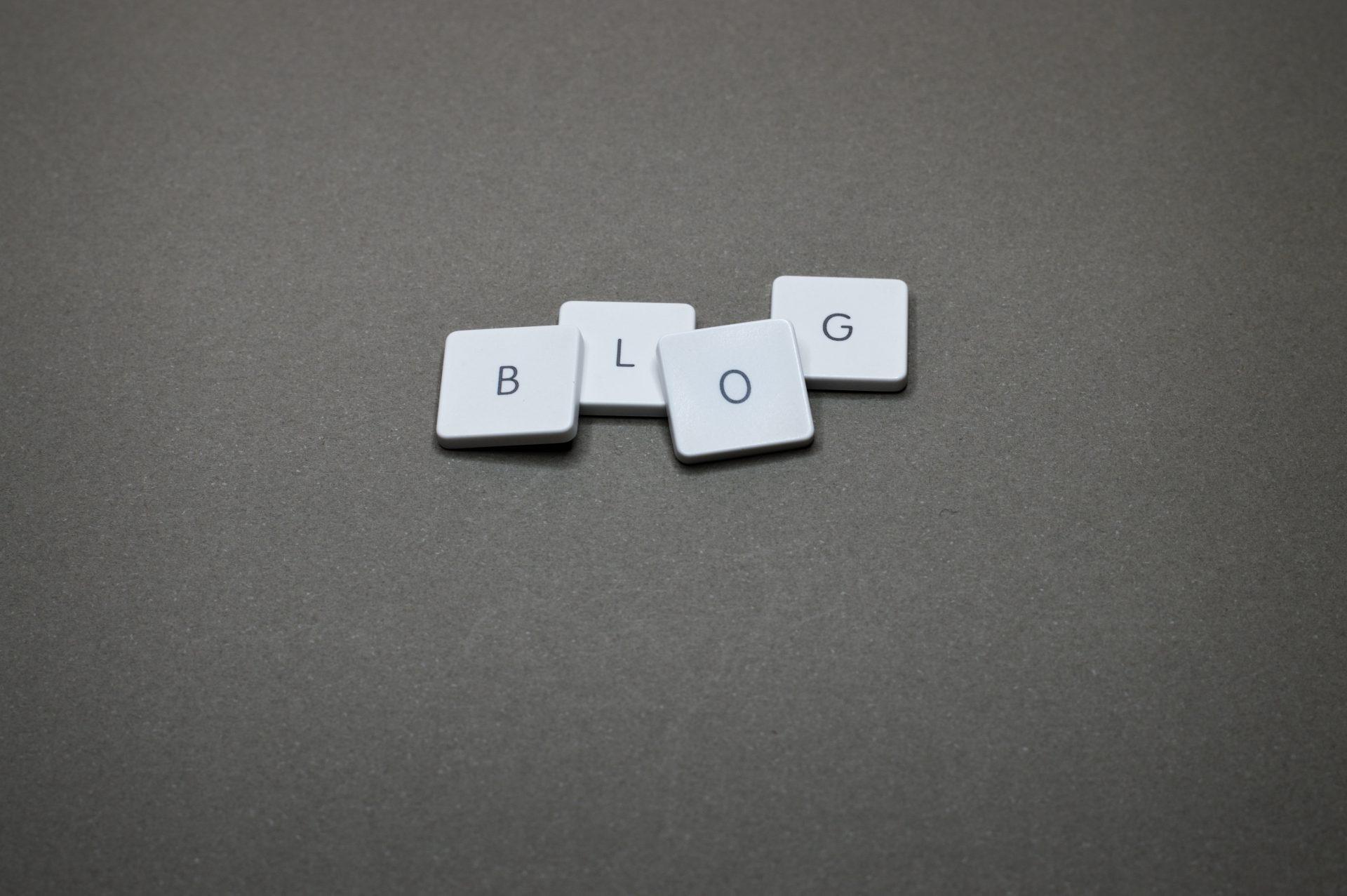 wpis na blog po angielsku jak napisać