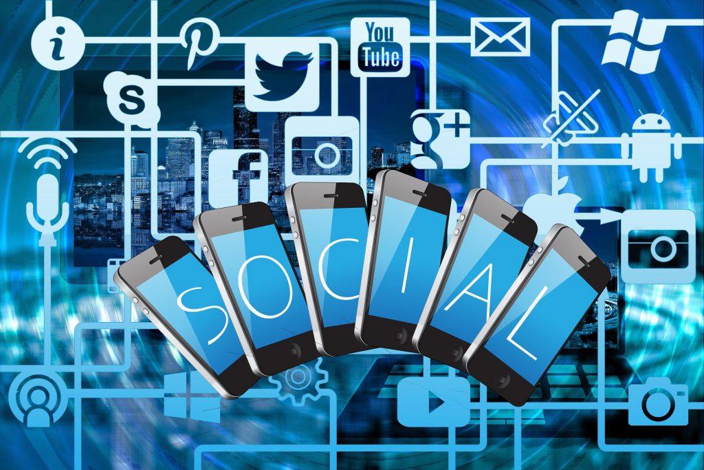 Zarabianie na prowadzeniu profili social media